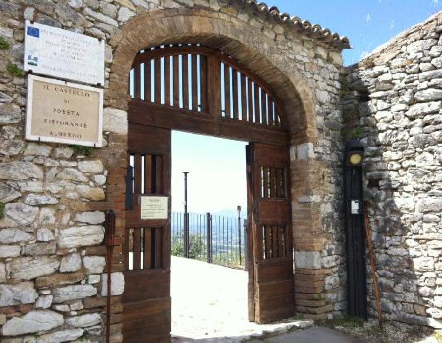 ingresso-al-castello