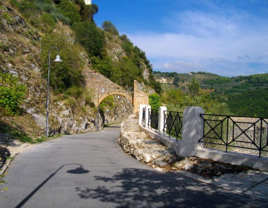 giro-della-rocca-spoleto-italy+1152_12866910780-tpfil02aw-10447